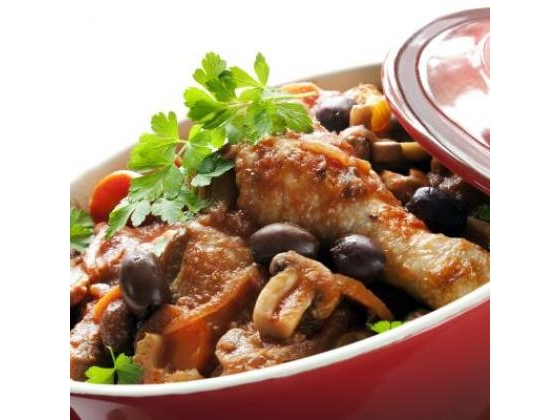 Tasty chicken in a serving dish.